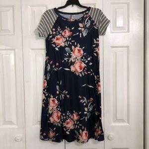 Dresses & Skirts - Boutique midi dress